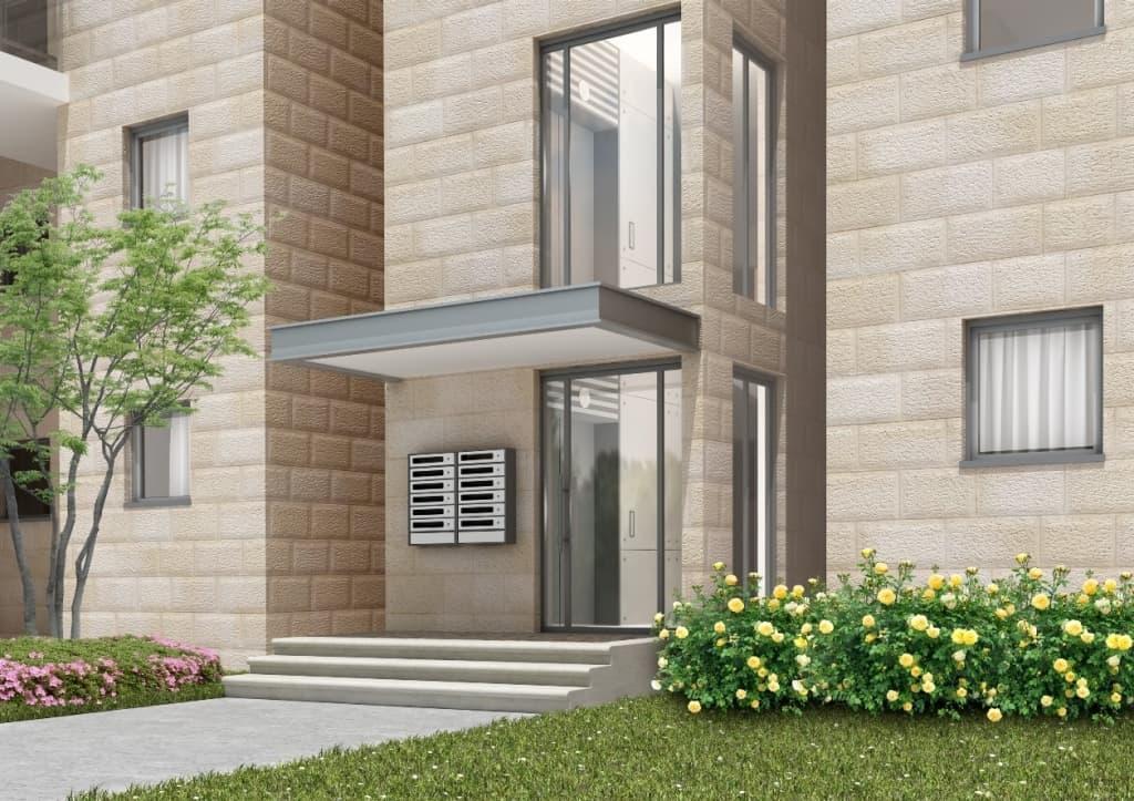 Herzl 62, Jerusalem – Building entrance after implementation of Tama 38 project
