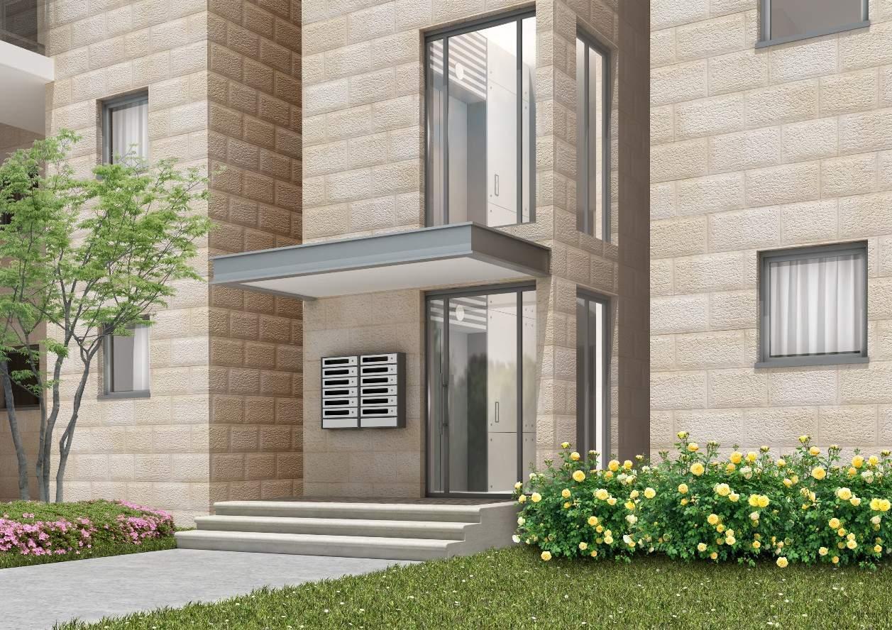 Herzl 62, Jérusalem – Entrée du bâtiment après la mise en œuvre de Tama 38 projet