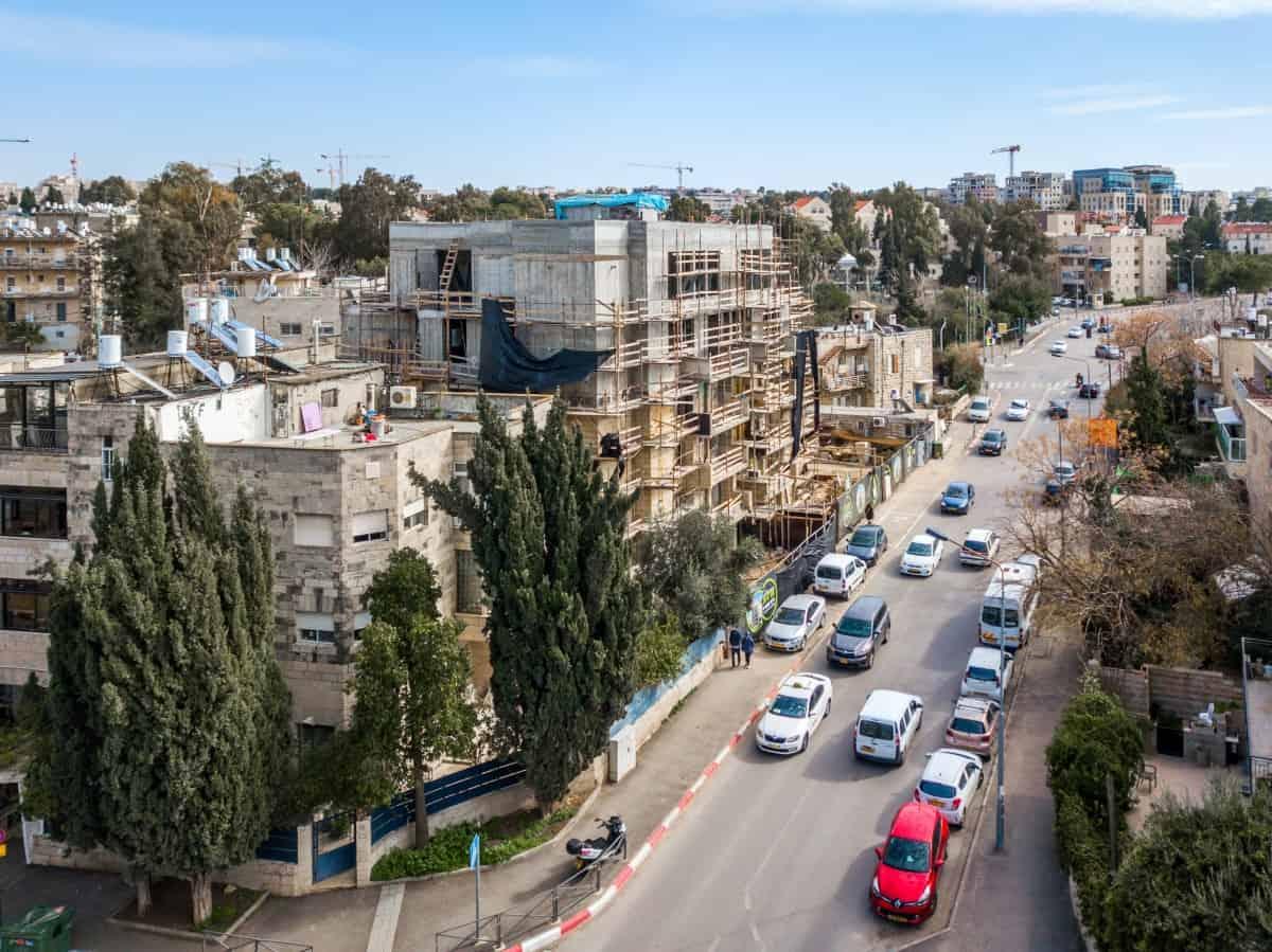 פרויקט תמ״א 38 בירושלים -  שלבי בנייה באלעזר המודעי 4