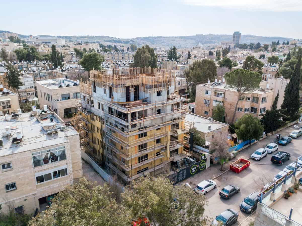 TAMA 38 project in Jerusalem - Rish Lakish 10 - Construction works